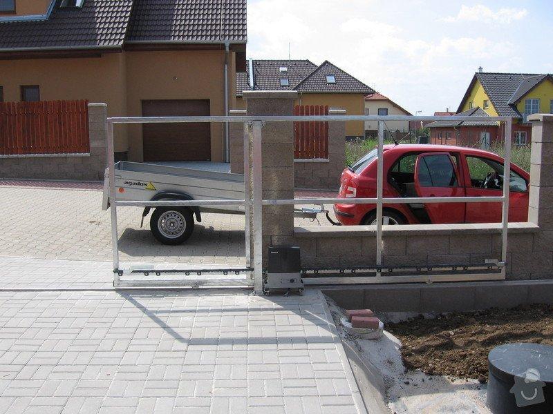 Pojezdová brána a branka.: IMG_2801