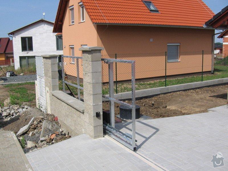 Pojezdová brána a branka.: IMG_2803