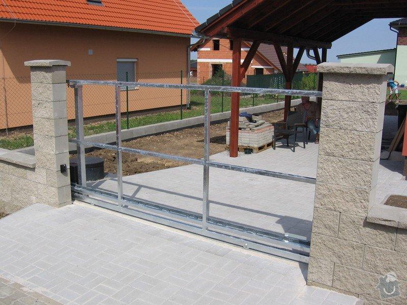 Pojezdová brána a branka.: IMG_2804