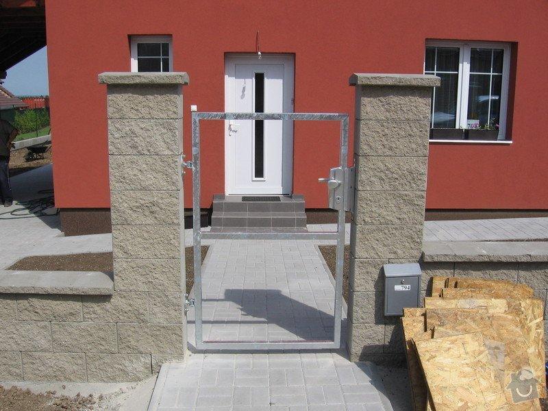 Pojezdová brána a branka.: IMG_2805