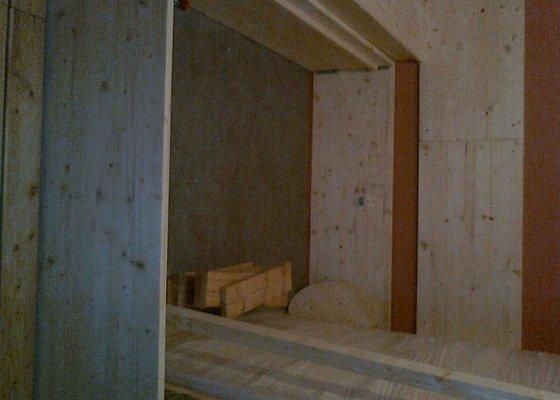 Obložení výřivky+výroba postele,obložení stěn,zalištování dveří