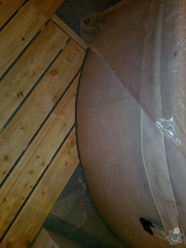 Obložení výřivky+výroba postele,obložení stěn,zalištování dveří: Fotografie0032