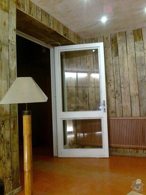 Obložení výřivky+výroba postele,obložení stěn,zalištování dveří: Fotografie0074