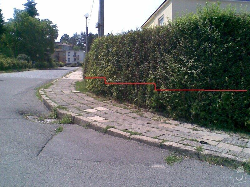 Nízká opěrná zídka kolem pozemku - Face Block: Image005