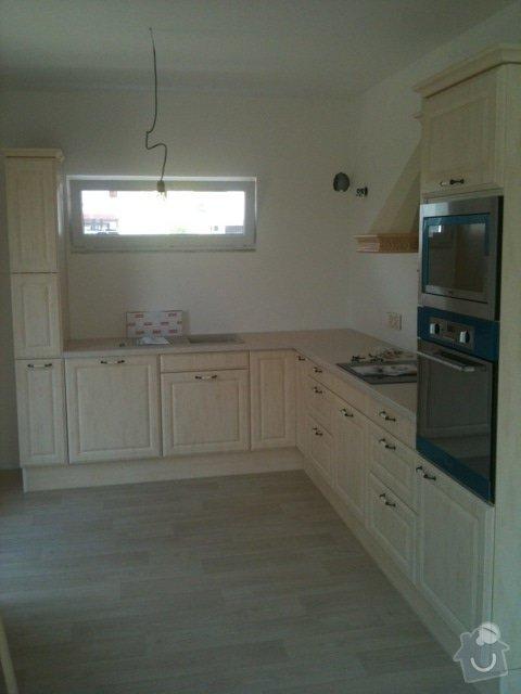 Obklad stěny kuchyňské linky: 94