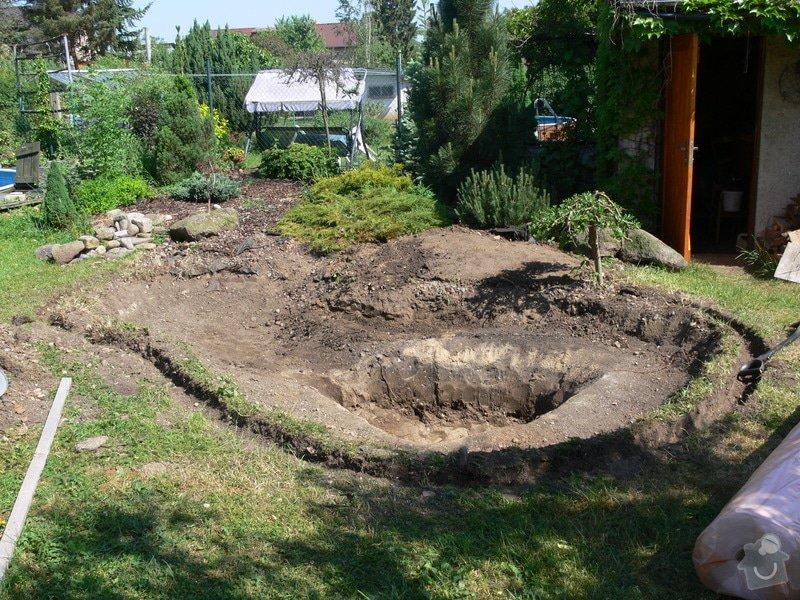 Rekonstrukce zahradního jezírka: P1470387