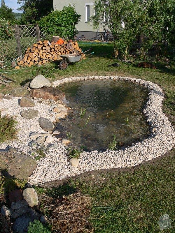 Rekonstrukce zahradního jezírka: P1470422