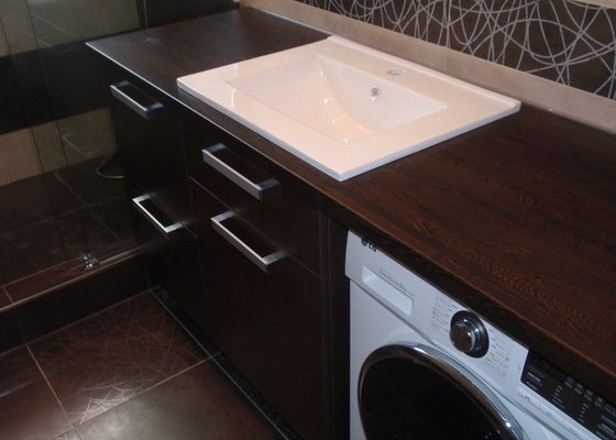 Výroba a montáž koupelnového nábytku