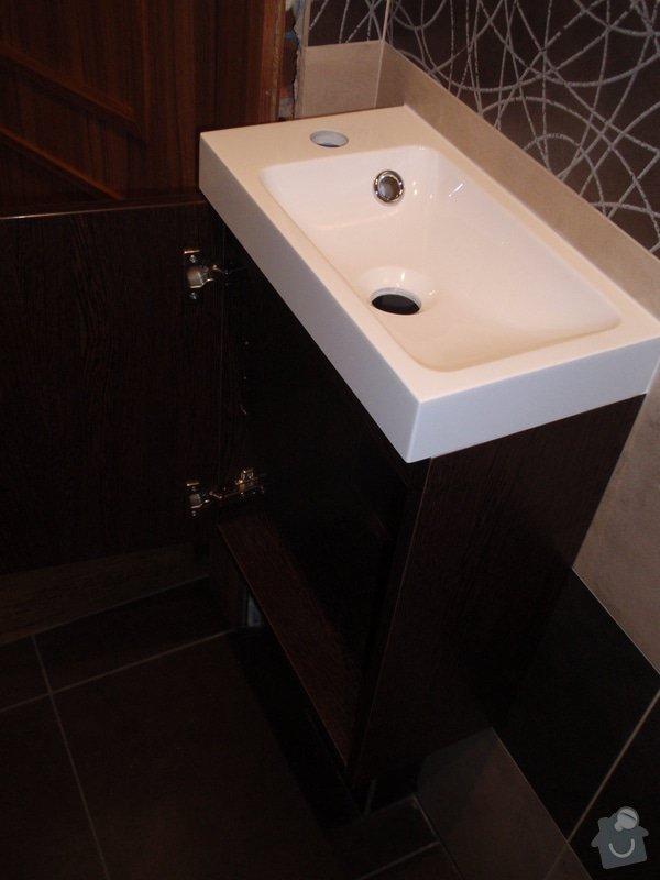 Výroba a montáž koupelnového nábytku: P7112384