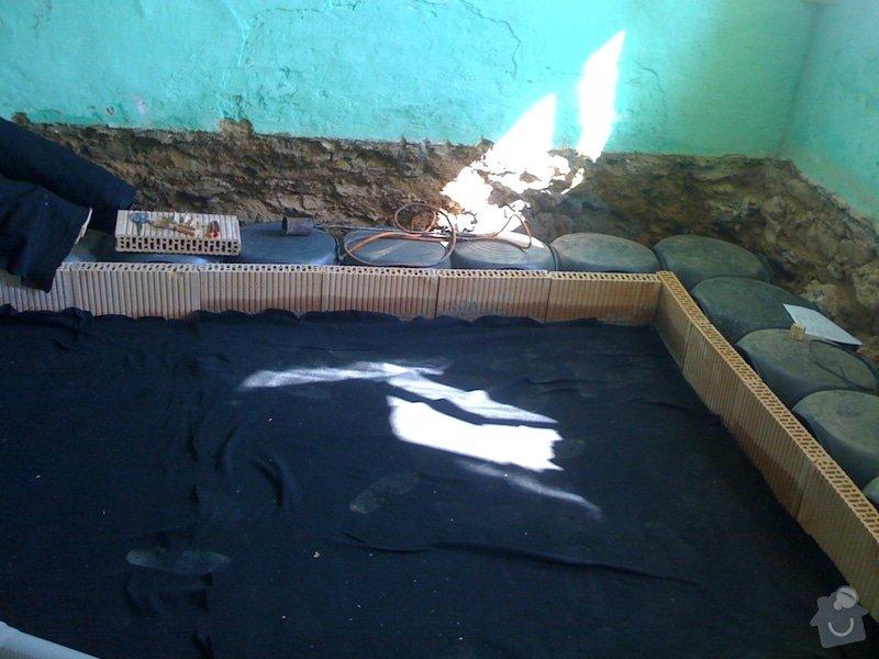 Vybourání podlah, zhotovení nových a položení kanalizace: IMG_0809