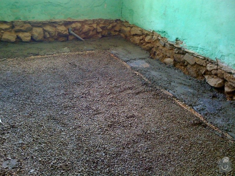 Vybourání podlah, zhotovení nových a položení kanalizace: IMG_0815
