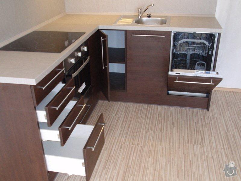 Výroba a montáž kuchyňské linky: P7162402