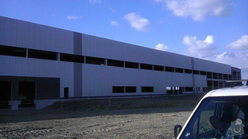 Montáž AL oken a dveří ve výrobní hale: IMAG0032