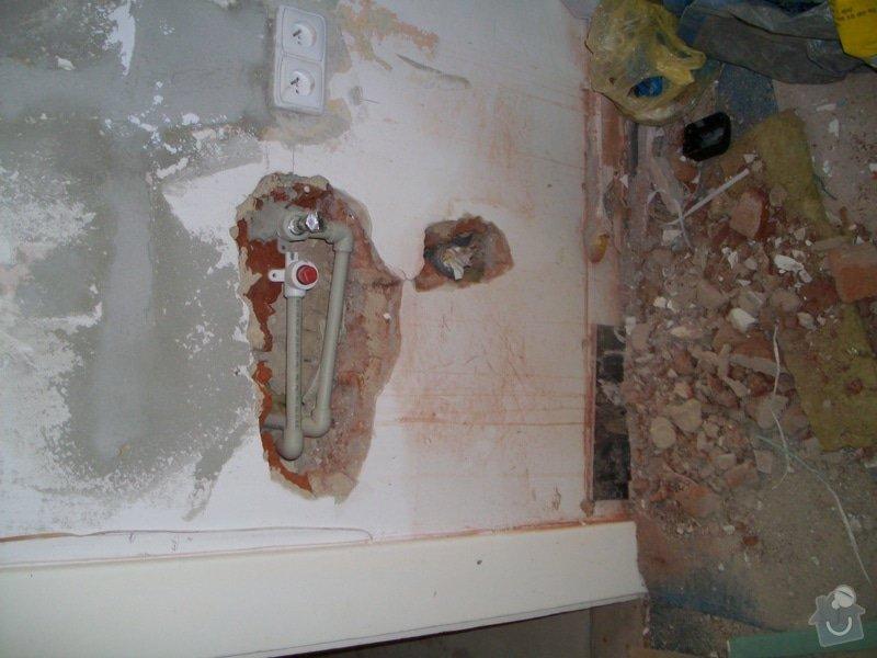 Obložení zděného sprch. koutu 1m2 do výšky cca 2m, vč. instalace sprch. baterie a odpadu,přesun el. zásuvek : 018_2_