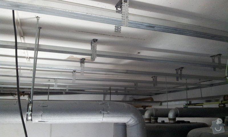 Odhlučnění stropu 30 m2 - mezi kotelnou a bytem nad kotelnou: 20120618_141311