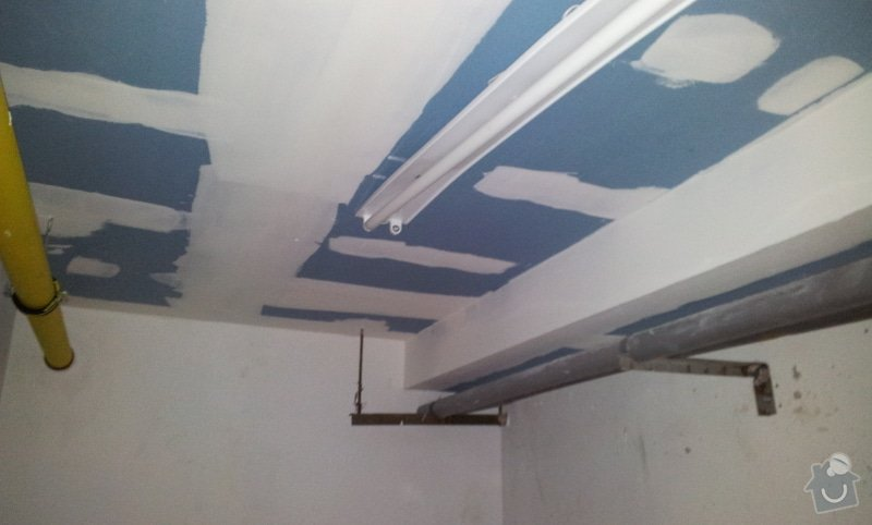 Odhlučnění stropu 30 m2 - mezi kotelnou a bytem nad kotelnou: 20120622_100919
