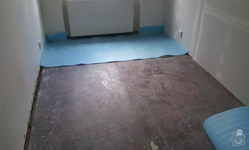 Rozdělení místnosti a montáž podlahy: 20120626_105157
