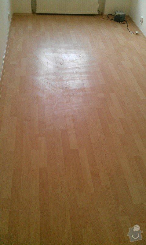 Rozdělení místnosti a montáž podlahy: IMAG0050