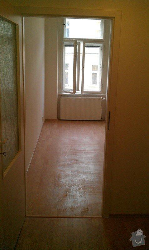 Rozdělení místnosti a montáž podlahy: IMAG0052