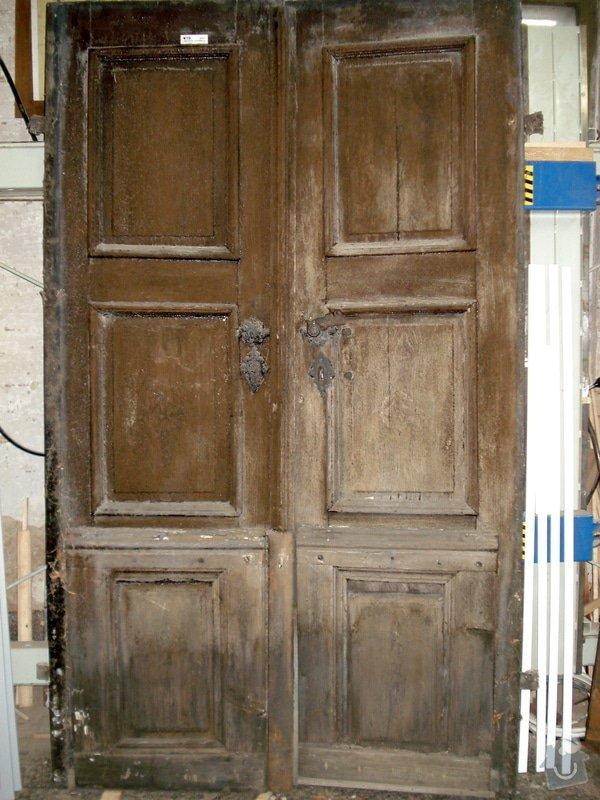 Repase vstupních dvěří do věže kostela: DSC02540