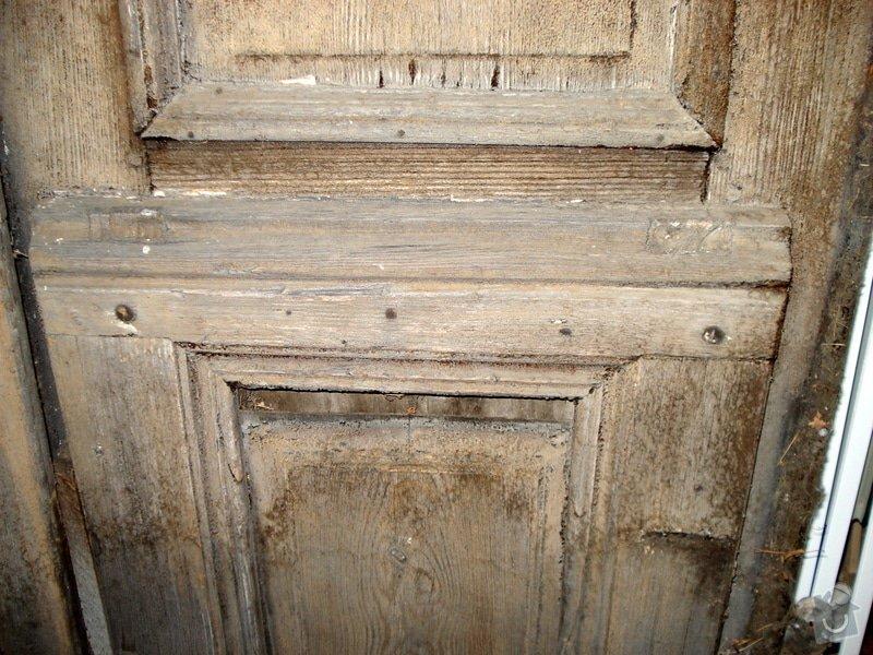 Repase vstupních dvěří do věže kostela: DSC02545