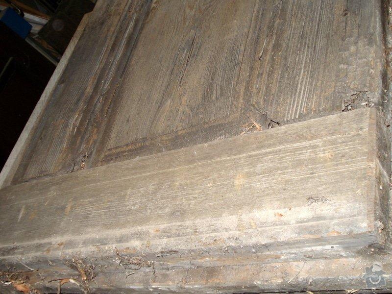 Repase vstupních dvěří do věže kostela: DSC02562