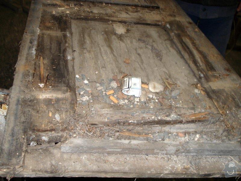 Repase vstupních dvěří do věže kostela: DSC02566