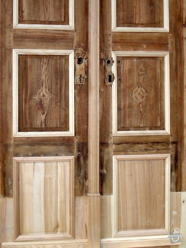 Repase vstupních dvěří do věže kostela: DSC02669