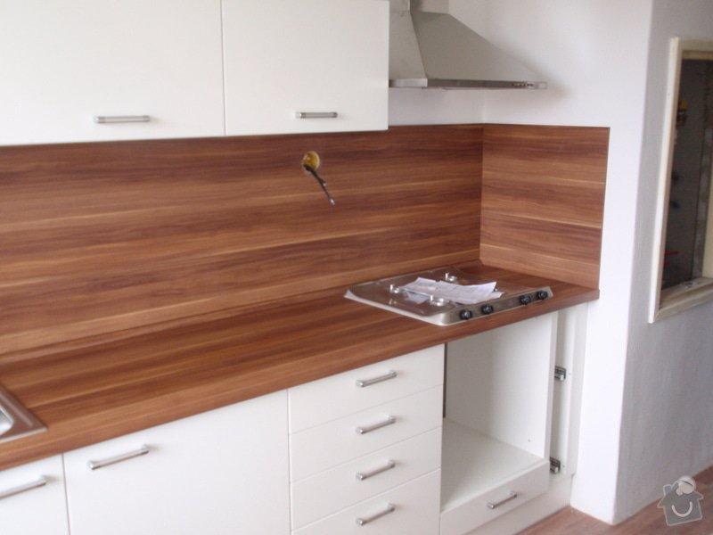 Rekonstrukce bytového jádra + kuchyňská linka: P6272359