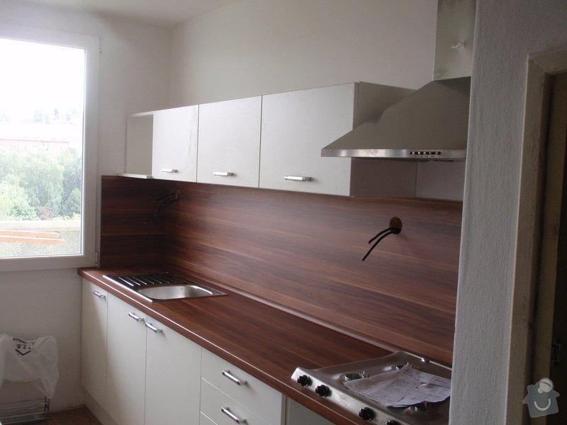 Rekonstrukce bytového jádra + kuchyňská linka: P6272362