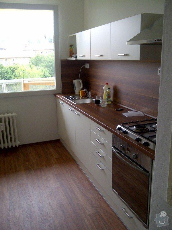 Rekonstrukce bytového jádra + kuchyňská linka: IMG-20120703-00044