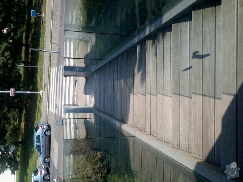 Oprava venkovních schodů - kovová konstrukce a schody z tropického dřeva: 2012-07-26_15.13.54