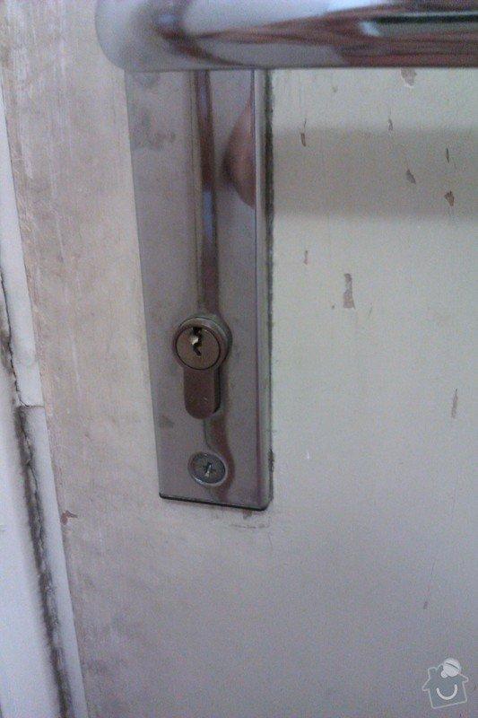 Výměna zámku (vložky) u vchodových dveří do bytu.: 2012-07-27_08.50.55