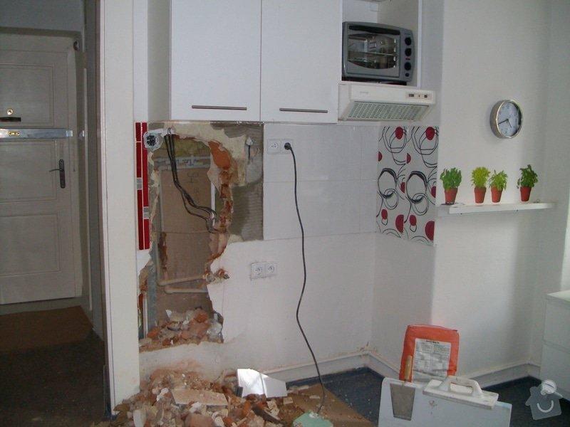 Obložení zděného sprch. koutu 1m2 do výšky cca 2m, vč. instalace sprch. baterie a odpadu,přesun el. zásuvek : 022
