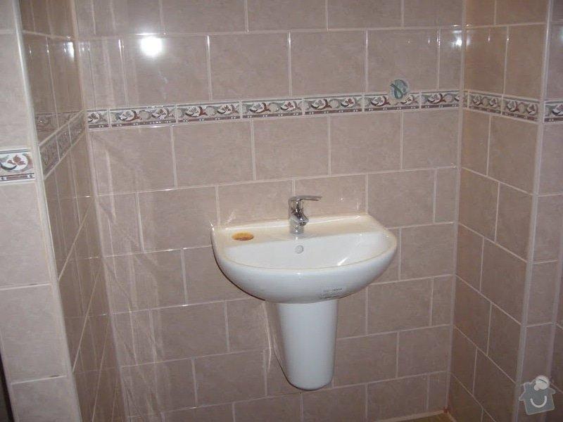 Koupelna - rozvody vody, ÚT, odpady: P1070645