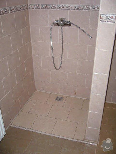 Koupelna - rozvody vody, ÚT, odpady: P1070646