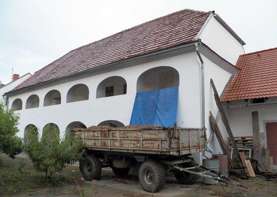 Rozebrání staré a konstrukce nové sedlové střechy