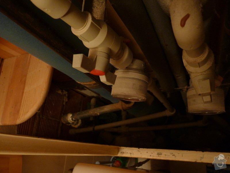 Závěsný záchod (atypická nádržka): P1360775