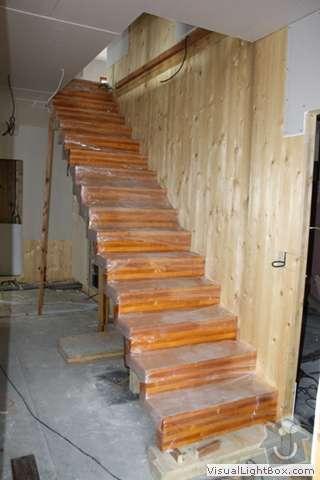 Výroba schodů z lepeného dřevěného masivu (KLH panely): schodiste1