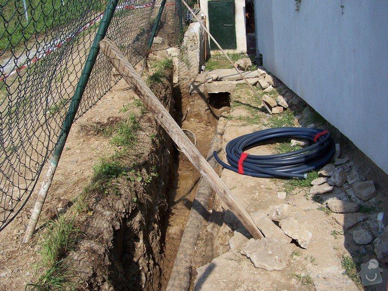 Výměna kanalizace, položení nové přípojky vody: 101_6957