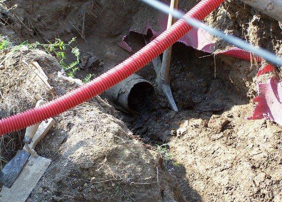 Výměna kanalizace, položení nové přípojky vody