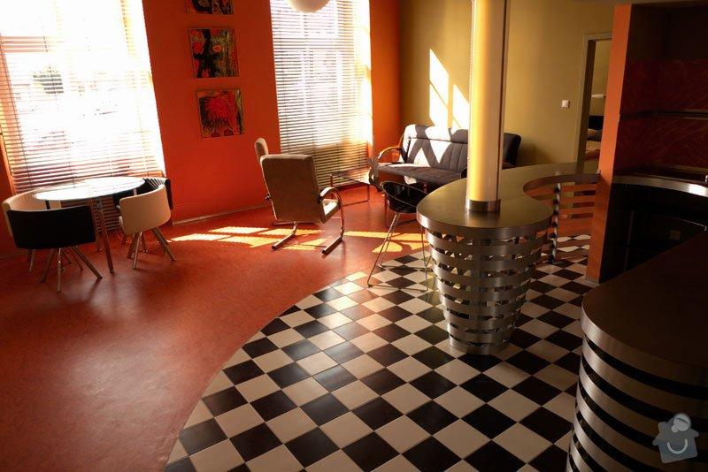 Atypický mezonetový apartmán - doplnění - bar z nerezu a hliníku: obyvak1