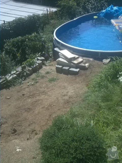 Položení vymývané dlažby kolem bazénu: IMG100