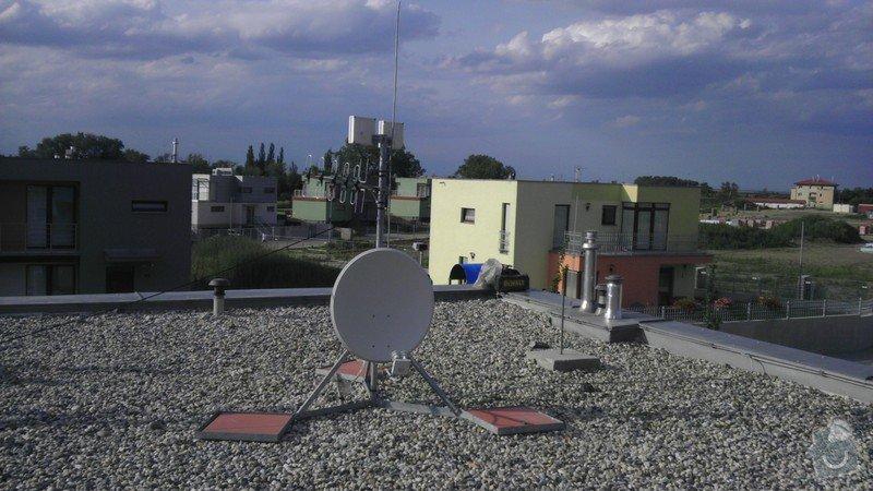Posun termostatu, uzemnenie stoziara anteny: IMAG0242