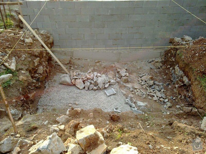 Zdění ze ztraceného bednění, hrubá betonová podlaha a železobetonový strop v Babicích nad Svitavou: 03082012090