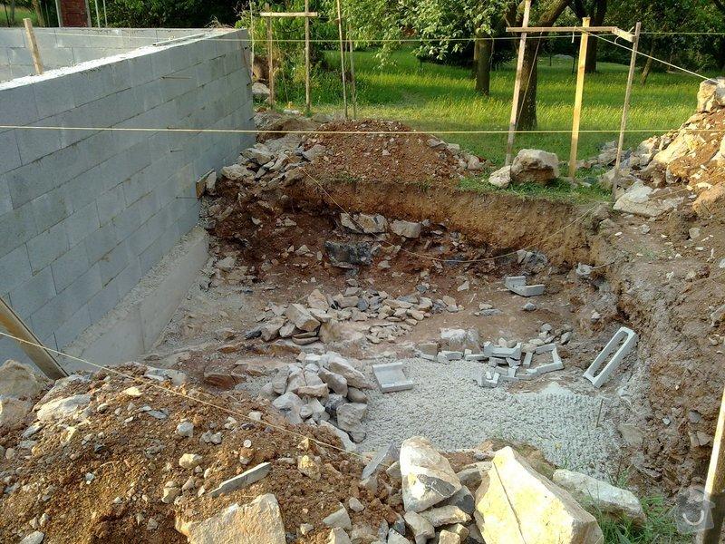 Zdění ze ztraceného bednění, hrubá betonová podlaha a železobetonový strop v Babicích nad Svitavou: 03082012091