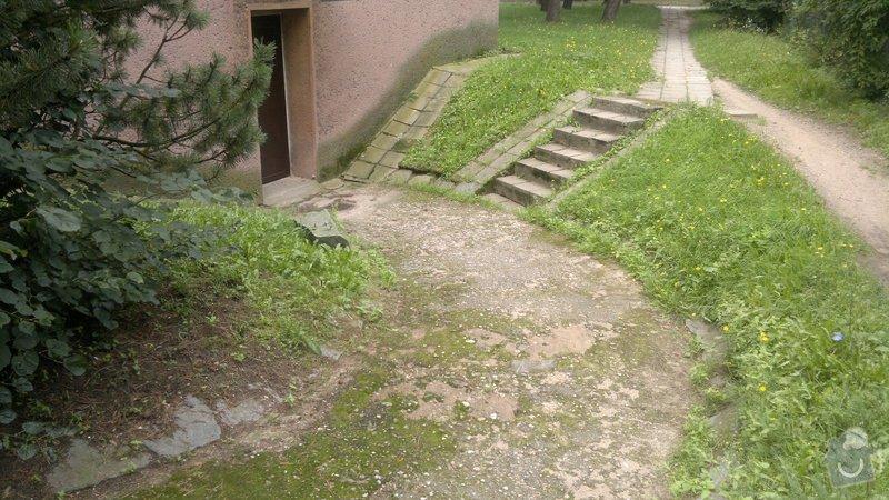 Oprava bočního přístupu do domu,odizolování domu : 2012-08-07-287