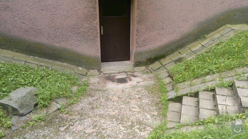 Oprava bočního přístupu do domu,odizolování domu : 2012-08-07-288