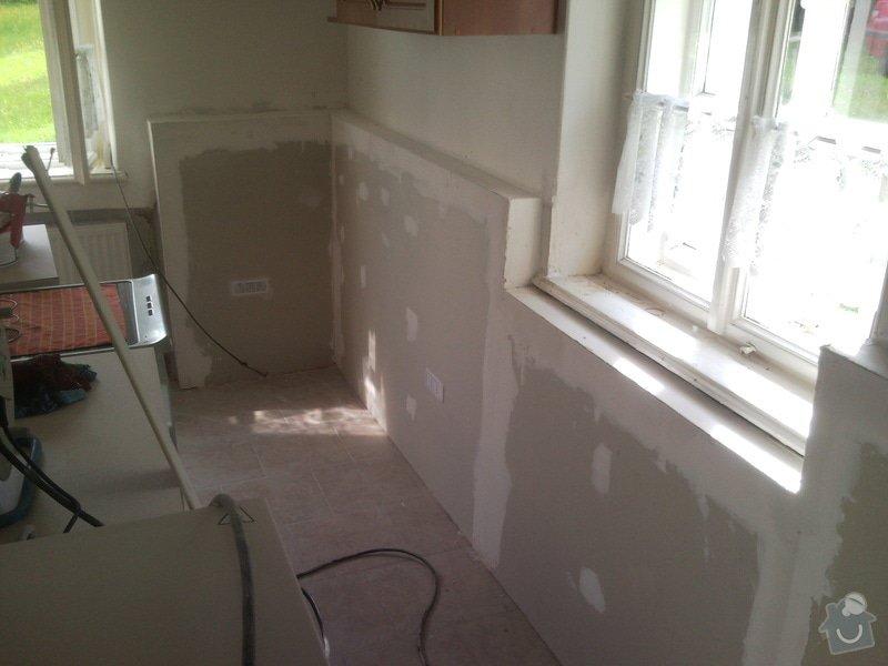 Sanační omítku cca 8m2,falešnou stěnu za sadrokartonu 8m2,malování schodiště včetně škrabání.: SNC00001