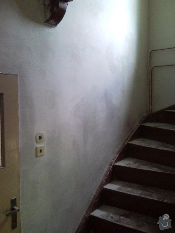 Sanační omítku cca 8m2,falešnou stěnu za sadrokartonu 8m2,malování schodiště včetně škrabání.: SNC00006